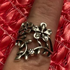 Antique Washed Silver Roses Ring Floral